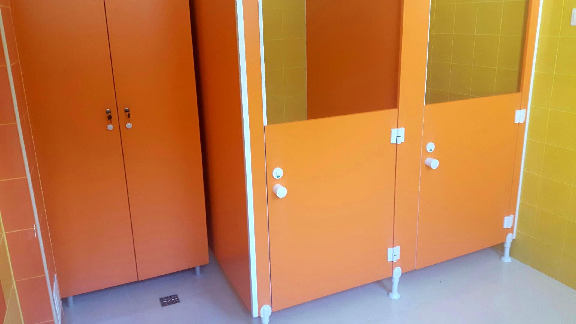 Scianki systemowe w toaletach